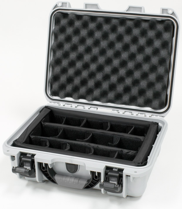 Plasticase Nanuk 920 Case with Padded Divider: Silver