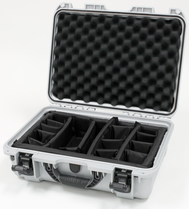 Plasticase Nanuk 925 Case with Padded Divider: Silver