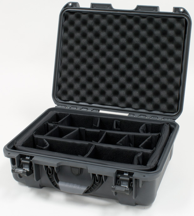 Plasticase Nanuk 930 Case with Padded Divider: Graphite